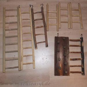 verschiedene Holzleitern
